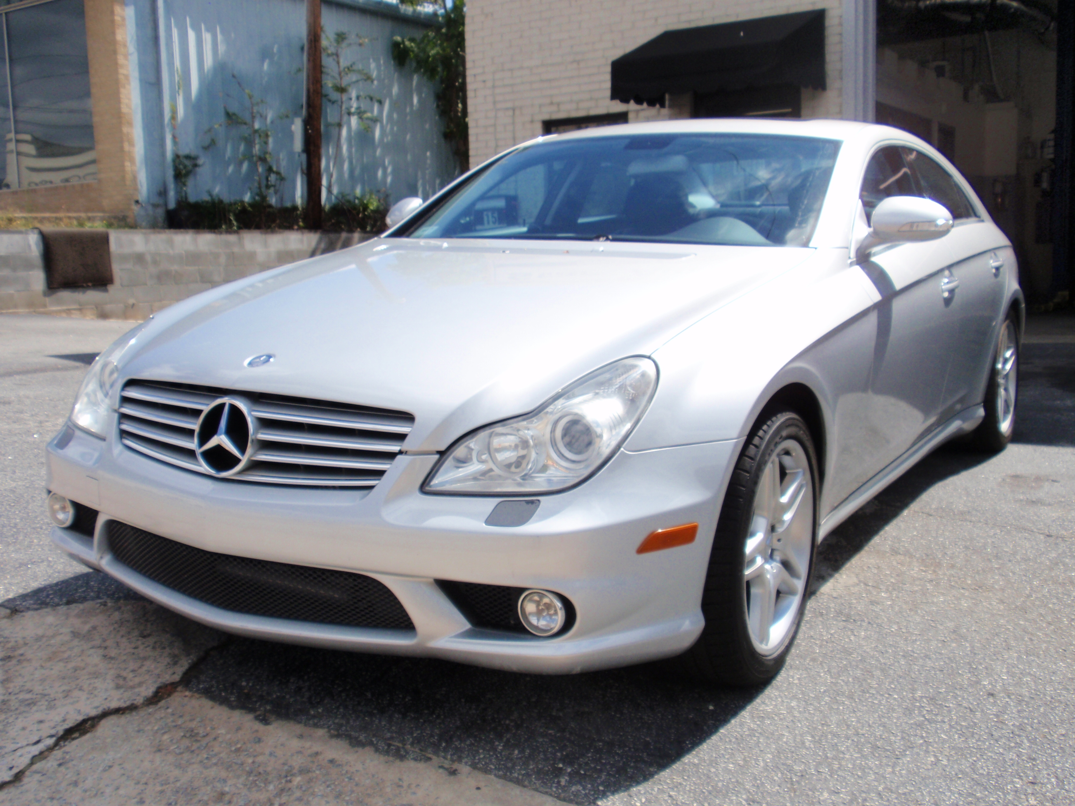 2008 mercedes benz cls 500 silver with black interior for Mercedes benz care